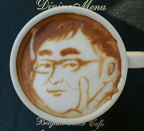 spectacular two-dimensional latte art