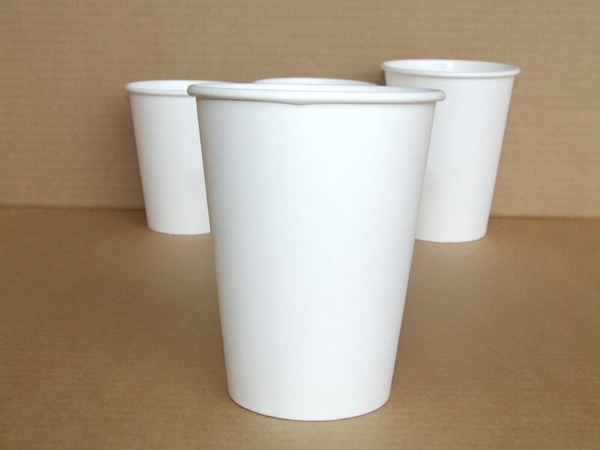 white to-go coffee cups plain
