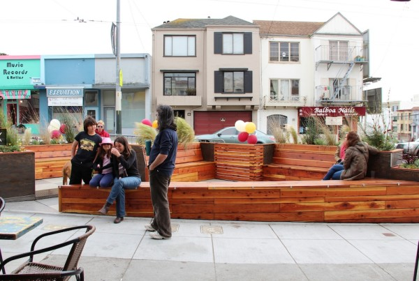 Retail Design Notes: The Streetscape Coffee Shop Parklet