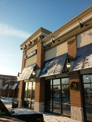 Peet's Acquires Mighty Leaf Tea, Opens and Closes Midwest Stores