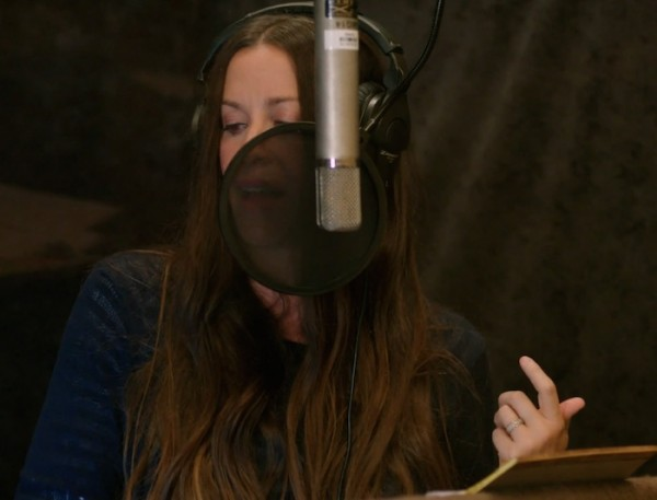 Alanis Morissette is Singing About Coffee For All the Right Reasons