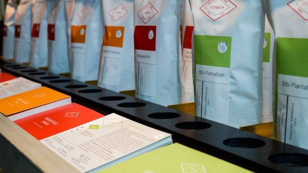 Color-coded Cuperus bags on the shelf